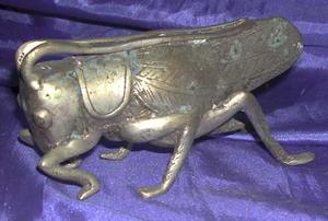 Langostas de bronce