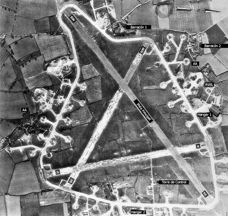 Fotografía aérea del aeródromo en Argelia