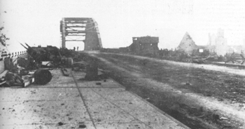 El puente de Arhem fotografiado después de la batalla