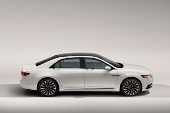 Lincoln Continental 2017, imagen de motortrend