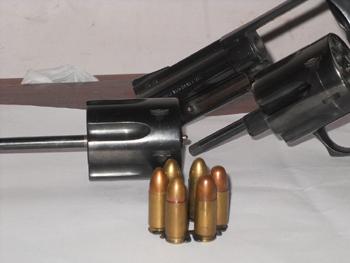 Clip del Barracuda con la munición de 9x19