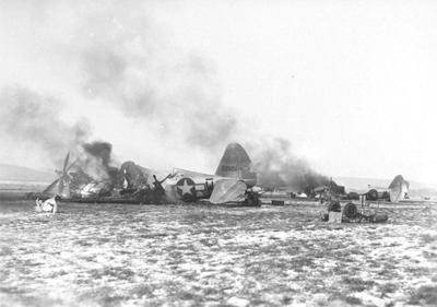 P-47 destruidos en el aeródromo de Metz - Imagen de dominio público