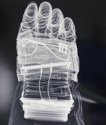 Guantes -Imagen de los guantes de Steve Jurvetson (licencia CC-Atribución)