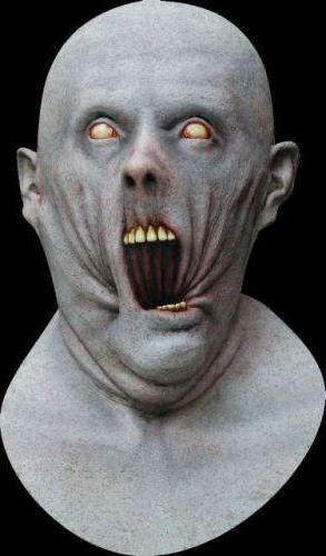 Máscara eisil en una representación de terror - Imagen de Pinterest