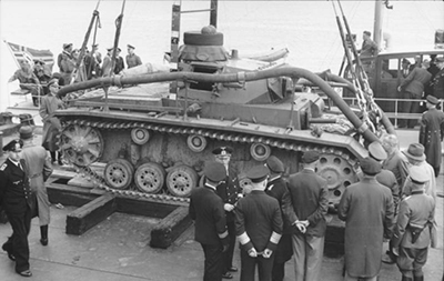 Tauchpanzer III, se aprecia la manguera flexible. Imagen de dominio público