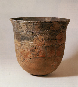 Vasija del tiempo - imagen de http://komyozan.org, http://komyozan.org/an-artists-eye-jomon-pottery-and-the-dirt
